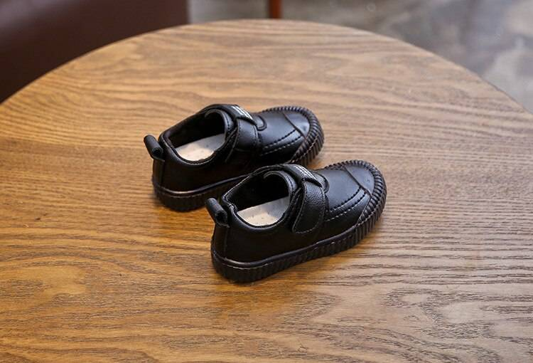 Toddler's Leather Sneakers